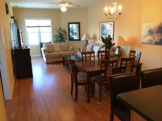 Ocean Views, Beach Block, Heated Pool & Free Wifi, Wildwood Crest