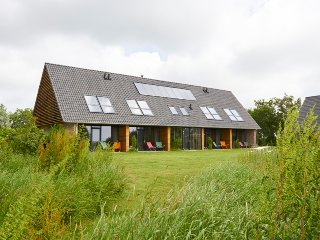 Luxe groupaccommodation 20p at Lauwersmeer in Friesland