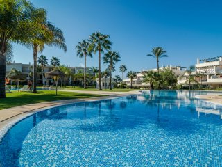 Nice 2 bedroom apt by Puerto Banus-LQR5
