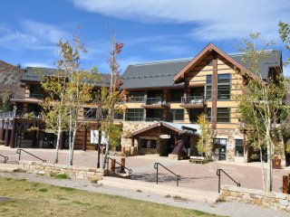 Base Village Luxury Apartment  at Hayden Lodge ~ RA86682