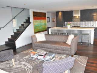 Classic Contemporary Penthouse ~ RA86723