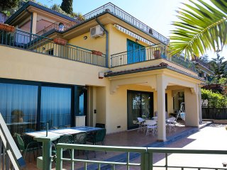 Caruso Luxury Apartament with amazing sea view, Taormina