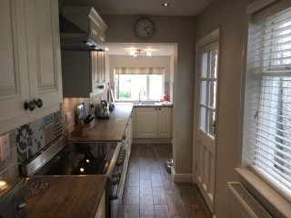 Beautiful new well equipped kitchen