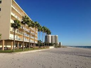 Beach condo, sleeps 4 people,fully renovated 2016., Longboat Key