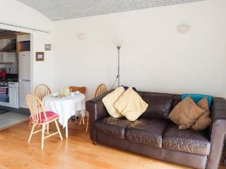 FLAT 18 sea views, rooftop terrace and conservatory, open plan, in Margate, Ref