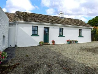 ARD NA COIRIBE, all ground floor, woodburner, lovely views, nr Clonbur, Ref 9460