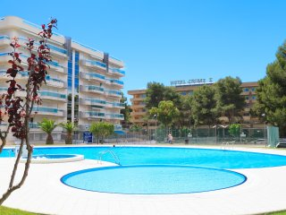 LARIMAR: Touristic complex in the center of Salou with a large community pool !