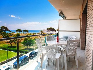UHC TORRESOL 182:  beautiful apartment in the centre of Cambrils, beachfront !!