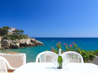 CASAS BLANCAS 129: Fantastic seafront summer house situated in a lovely complex!