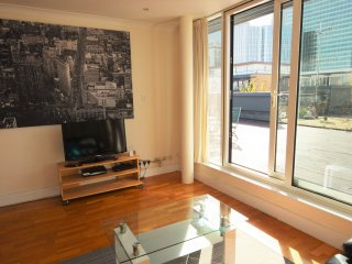 2 Bedroom Penthouse with Terrace - Canary Wharf