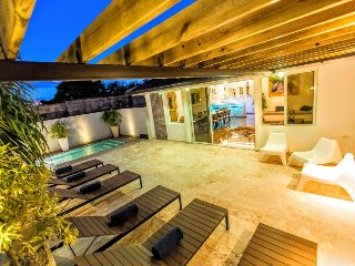 Villa IMPERIAL at old Town with pool 8BR