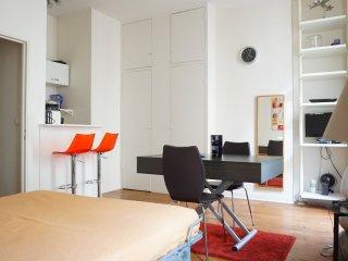rue Villehardouin 75003 PARIS - 103001
