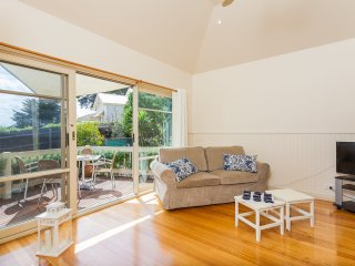 ST PAULS RD SORRENTO - (S405269207) BOOK NOW FOR SUMMER BEFORE YOU MISS OUT, Sorrento