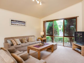 HILLTOP AVENUE BLAIRGOWRIE  - (B405269214) BOOK NOW FOR SUMMER BEFORE YOU MISS OUT, Blairgowrie