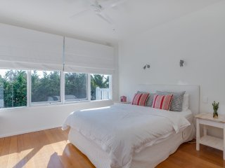 POINT NEPEAN RD PORTSEA  -(P405269239) BOOK NOW FOR SUMMER BEFORE YOU MISS OUT, Portsea