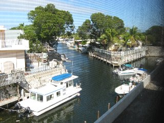 BAYSIDE CONDO WITH BOAT