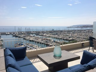 Boutique Penthouse Apartment with Sea vies, Menton