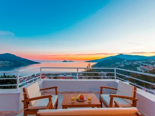 4 bedroom Kalkan Town Villa close to Beach and Harbour with Terrace sea views