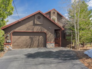 Family Friendly Tahoe Donner Home - Great Views!!!, Truckee