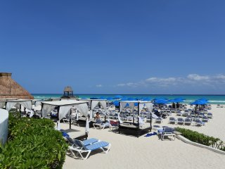 A302 Reef, Paseo del Sol, Penthouse with Jacuzzi, Playa del Carmen