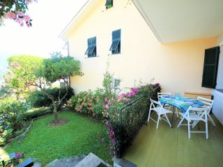 ARANCI 3BR-garden&terrace sea view by KlabHouse, Rapallo