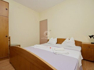 Apartments Milica - 23921-A4, Srima