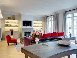 Apartment des Feuilles 3 bedroom Paris apartment for short term stays, flat for