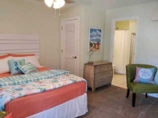 NEW LISTING!! Beach Time Studio Snowbirds Welcome!, Biloxi