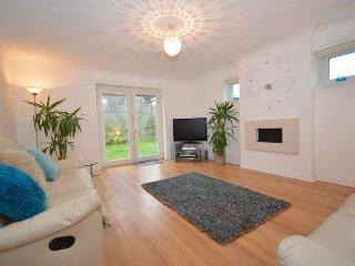 AY158 Cottage in Ayr, Alloway