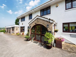 PK880 Cottage in Chesterfield, Ashover