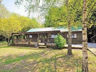 PPLOD Log Cabin in Shaftesbury, Iwerne Minster