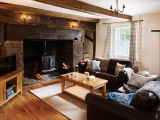 42959 Cottage in Crickhowell, Llanhamlach