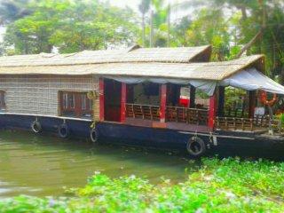 Jeeva Houseboat