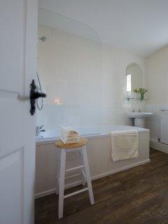 Ensuite bathroom for 1st floor double bedroom