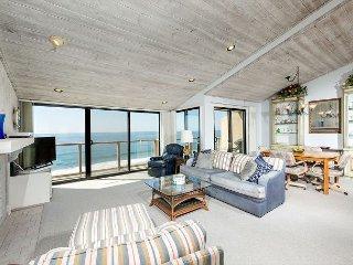 SUR112 Oceanfront 2BR Condo, Solana Beach