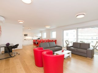 Tabor Penthouse Deluxe apartment in 02. Leopoldstadt with WiFi, airconditioning, privéterras, balko…, Viena