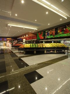 supermarché (à proximité)