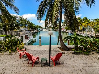 Waterfront home w/30ft dock, a private beach & shared pool at Cabana Club!
