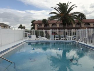 8000 Ridgewood Ave #213, Cape Canaveral :: Cape Canaveral Vacation Rental