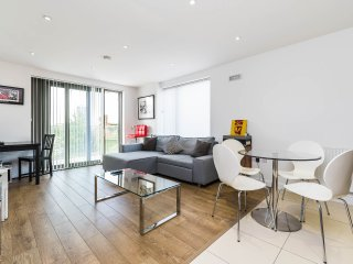 Super 1BD flat heart of East London