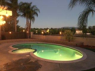 Enjoy beautiful evenings - Pool, Spa and terrestrial views