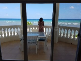 Village Maria~ A true Jamaican villa experience Beachfront