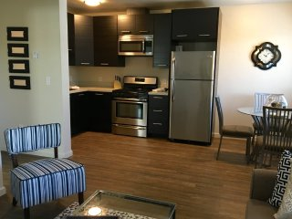 Furnished 1-Bedroom Apartment at Howard Ave & Highland Ave Burlingame, San Mateo