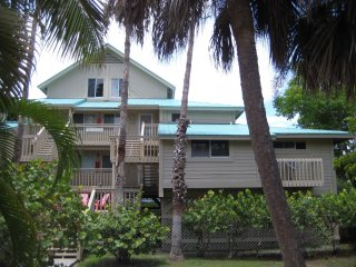 ★ Secluded Holiday Retreat/ Island Paradise & Waterfront Condo ★, Little Gasparilla Island