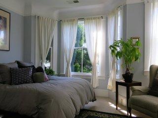 Furnished 1-Bedroom Condo at Filbert St & Polk St San Francisco