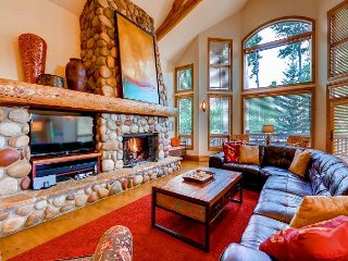 Enjoy Spectacular Ski Area Views Close to Downtown Breck - Winter Shuttle!!, Breckenridge