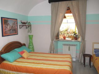 TERMINI STATION: SPACIOUS ROOM & TERRACE: GREAT VALUE !!!