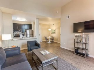 REMARKABLY FURNISHED 1 BEDROOM APARTMENT IN MARINA DEL REY, Marina del Rey