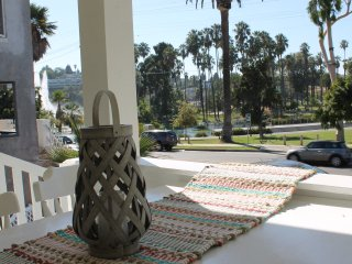 Beautiful Fun 4 Bed home- Near LA attractions, View, 1 block from Sunset Blvd.
