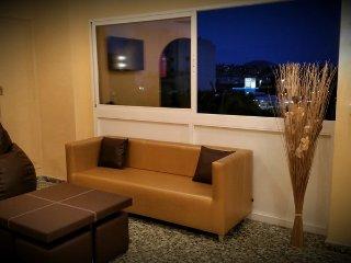 Habitacion doble,2 camas,bano compartido entre 3 habitacion,centro,playa,WIFI